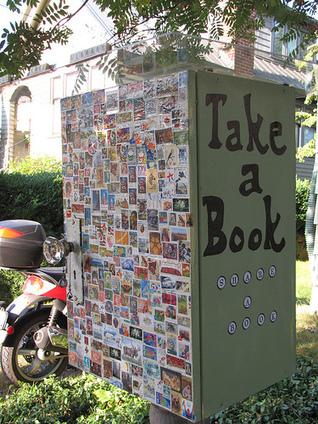 Les petites bibliothèque gratuites reléguées en fond de jardin | Bibliothèques et quartiers populaires | Scoop.it