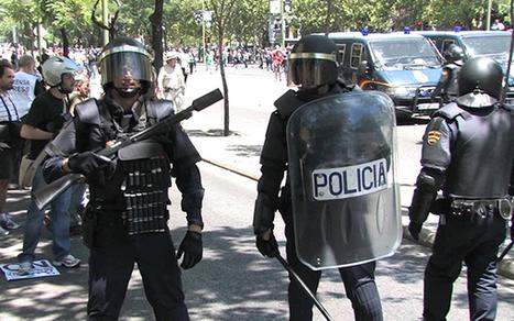 Hagas lo que hagas, la policía no puede mirarte el móvil | Multas Sanciones  Fines Sanctions | Scoop.it