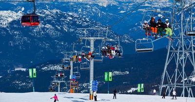 Économie : l'industrie du ski en slalom géant