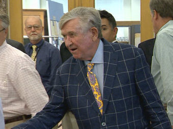 Johnny Majors Donates Memorabilia To State Library | Tennessee Libraries | Scoop.it