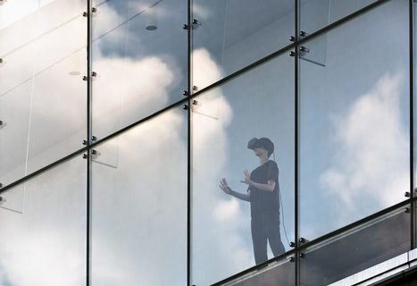 goggles in the gallery mass art museums venture into virtual reality the artery