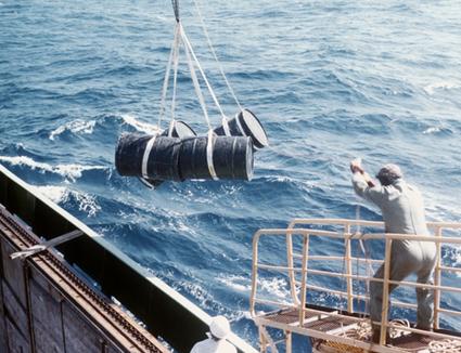 Bombe à retardement nucléaire mondiale : Des millions de milliards de becquerels reposent au fond des mers | démocratie énergetique | Scoop.it