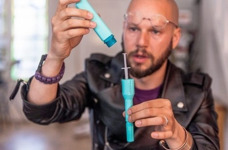 Hacker group creates $30 DIY Epipen to expose corporate greed and save lives | Winning The Internet | Scoop.it