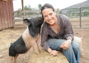 'Losing My Leg To Cancer Inspired Me To Become A Voice For Farm Animals' - BlissTree | Animals R Us | Scoop.it