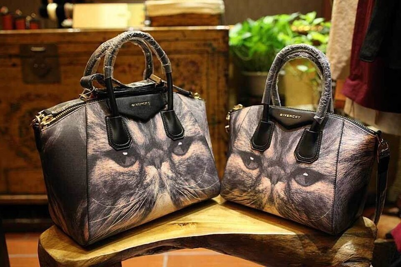 95f69e6d62b2 Givenchy Classic Motorcycle Bag European And American Stars Favorite Models  Original Factory Direct Printing Quality Napa Leather Motorcycle Bag  Garfield ...