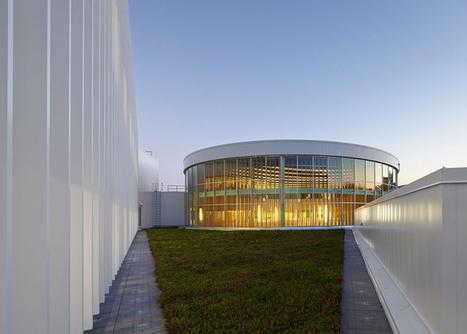 Courtyard becomes rotunda inside Toronto university building by Moriyama & Teshima | What Surrounds You | Scoop.it