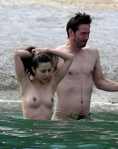 Photos : China Chow seins nus sur la plage | Radio Planète-Eléa | Scoop.it