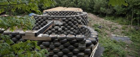 Monter des murs en pneus usagés, il fallait y penser | Univers Nature | Développement durable & Environnement | Scoop.it