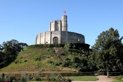 La motte castrale, ancêtre du château-fort. | GenealoNet | Scoop.it