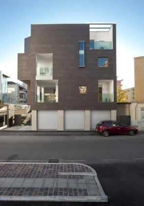 "[Pescara, Italy] Residential Building ""Brancacci"" / Alessandro Luigini 