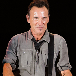 Springsteen Thanks Fans With Suicide Cover - Rolling Stone | Bruce Springsteen | Scoop.it