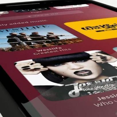 First Ubuntu Phones Coming Sooner Than You Think   Sniffer   Scoop.it