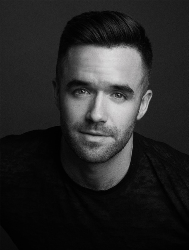 PIED PIPER announces Brian Justin Crum will be our onboard entertainment for the 2017 Post-Thanksgiving cruise!