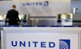"""United Airlines """"Loses"""" 10-Year-Old Girl, Enters Social Media Hell 