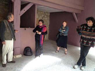 Etape n°2 - Discussion avec les artistes, comment accrocher les toiles | Vitrines d'art à Sainte Foy la Grande - 2013 | Scoop.it