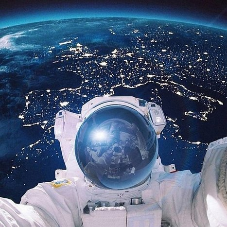 Selfie avec la planète bleue | Epic pics | Scoop.it