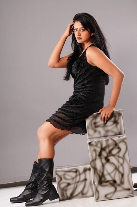 Spicy Pics of Vimala Raman in Transparent Black Short Skirt - Indian Diva | Indian Fashion Updates | Scoop.it
