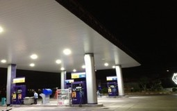 Led canopy lights and Gas station pylon signs |