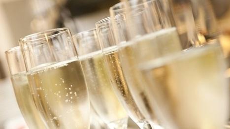 La clientèle des Etats-Unis, de Japon ou encore d'Australie est « davantage prête à payer un prix élevé pour du vin lié à la France, à ses valeurs et à son image. » | Le Vin et + encore | Scoop.it