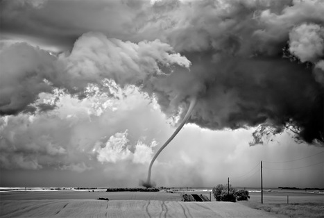 Ominous Storms Photographed in Black and White by Mitch Dobrowner | Art for art's sake... | Scoop.it