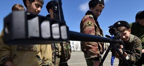 ô joie... En Russie, les écoliers bientôt formés aux fusils d'assaut | Résistances | Scoop.it