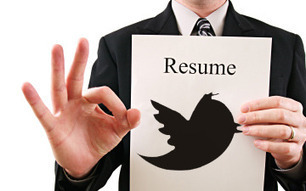 """Land Your Next Job with a 140 Character """"Twesume"""" 