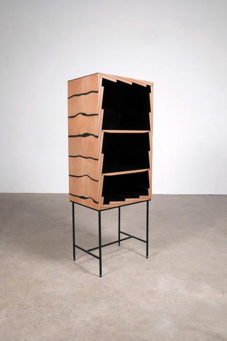 Les planches du meuble Fuse sont assemblées par le Studio Truly Truly pour servir de crémaillère | inoow design lab | Scoop.it
