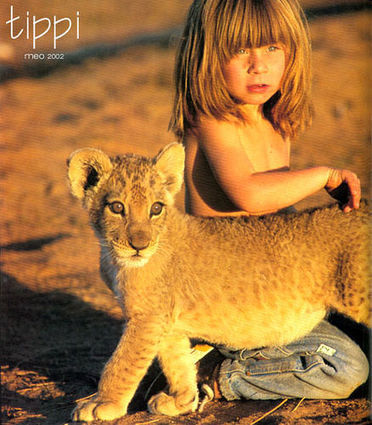Stunning Photos of Little Girl Who Grew Up With Animals in Africa. | HELPING ANIMALS IN DANGER by Oumnia | Scoop.it
