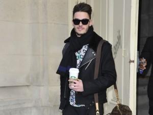 Baptiste Giabiconi assiste au défilé Chanel avec un sac Louis Vuitton | Les sacs et accessoires de luxe Vuitton, Chanel et Hermès | Scoop.it