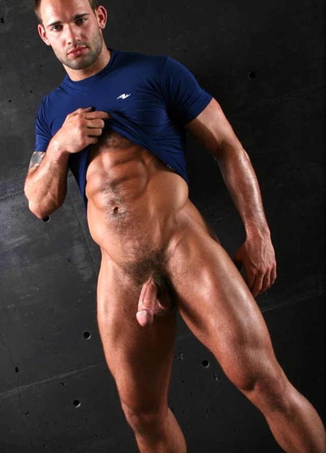 Naked chunky muscular men pics galleries suck