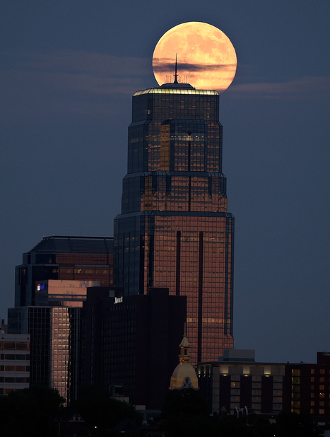 Supermoon photographs from around the world | Interesting Photos | Scoop.it