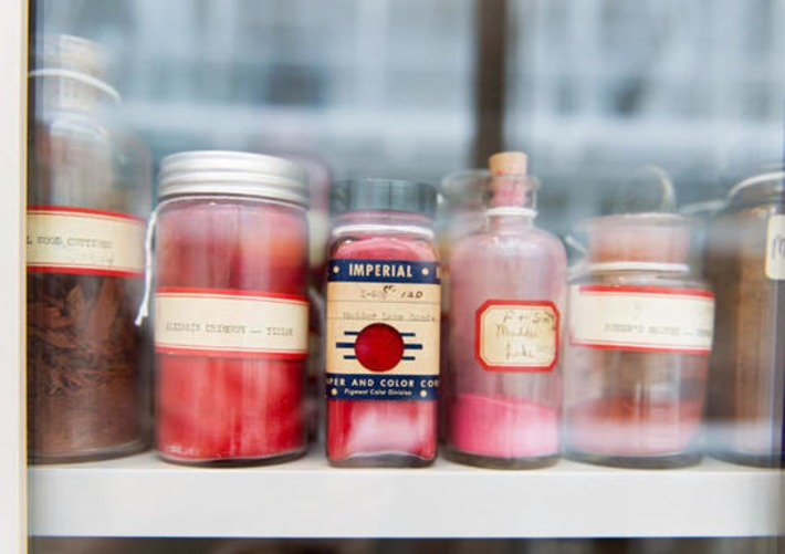 The Harvard Library That Protects The World's Rarest Colors | Antiques & Vintage Collectibles | Scoop.it