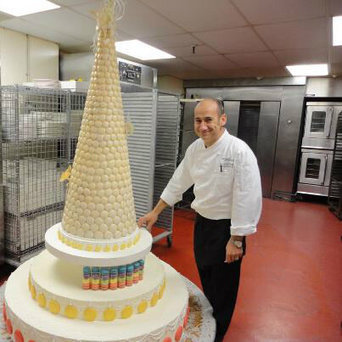 worlds largest wedding cake the largest parisian macaron croquembouche fre 27634
