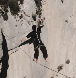 Climbers Doing Tight Rope Over Canyon River - Breathtaking ~ Geeky Apple - The new iPad 3, iPhone iOS 5.1 Jailbreaking and Unlocking Guides   Apple News - From competitors to owners   Scoop.it