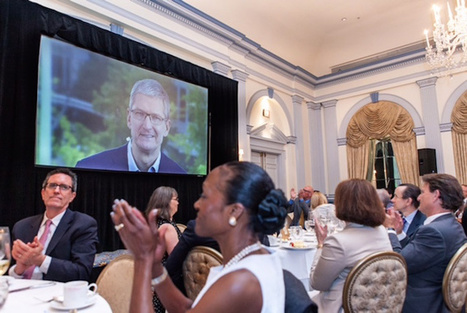 Apple's Tim Cook Delivers Blistering Speech On Encryption,Privacy | Mobile Development News! | Scoop.it