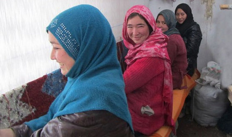 Top Architects Inspire Afghan Women's Rug-Making Venture | Women and Terrorism. | Scoop.it