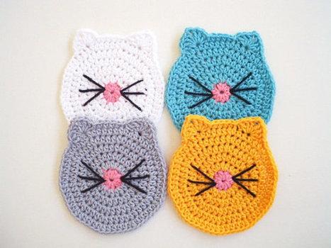 Ravelry: Cat Face Coasters pattern by Alexandra of EyeLoveKnots | 350x467