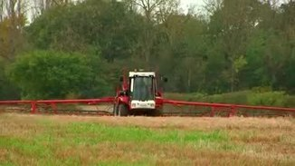 EU votes to extend weed-killer glyphosate licence
