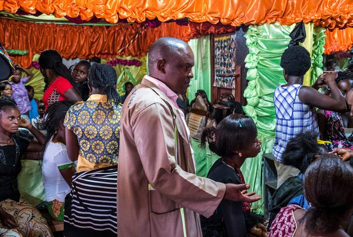 Congo's sculptor with a mission | Art Daily | Kiosque du monde : Afrique | Scoop.it