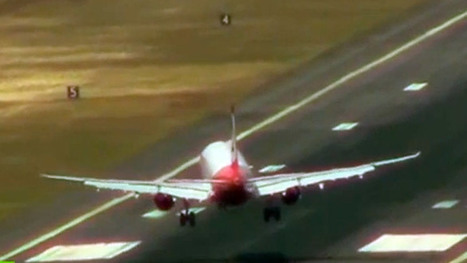 """Blown away: Planes battle wild winds at one of world's most dangerous airports (VIDEO)   """"World Travel"""" info 世界旅行の情報   Scoop.it"""