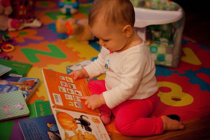 Un livre et une carte de bibliothèque offerts à tout bébé qui vient de naître | Actuallite | Kiosque du monde : A la une | Scoop.it
