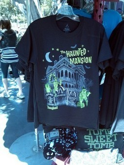 Glow-in-the-dark Haunted Mansion tee | Halloween | Scoop.it