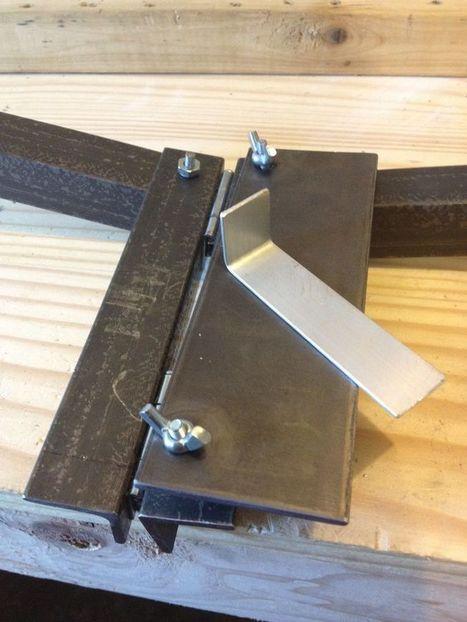 Inexpensive Soft Metal Bending Tool | DIY Music & electronics | Scoop.it