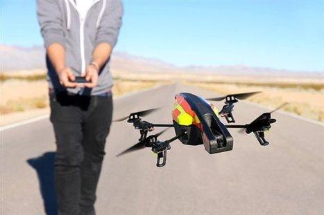 Parrot muestra el nuevo cuadricóptero AR.Drone 2.0 - PC Actual   AEROIMAGENES   Scoop.it