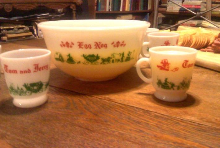 Appreciating Vintage Glass Punch Bowl Sets | Antiques & Vintage Collectibles | Scoop.it