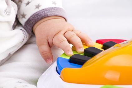 Babies' brains benefit from music lessons, even before they can walk and talk | Stay at Home Teacher | Scoop.it