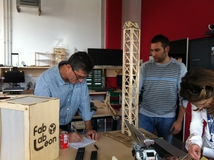 Guillermo Fesser, de Gomaespuma, visitó FabLab León y habló de él en La Brújula de Onda Cero | Big and Open Data, FabLab, Internet of things | Scoop.it