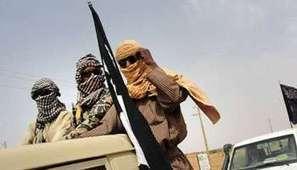 Nel Nord Mali i gruppi islamisti applicano la charia su un gruppo di presunti ladri.   Au Mali entre Développement et Guerre   Scoop.it