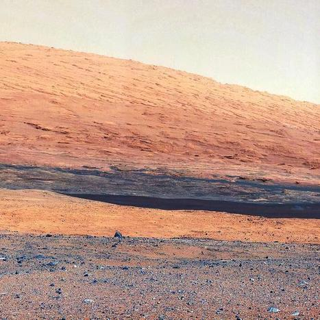 Latest Mars Panorama Shows Gigantic Mount Sharp | Cosmos and us | Scoop.it