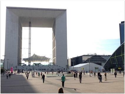 [vidéo] Les 2 journées du Tour de France du télétravail à la Défense en 3'30 - Zevillage : télétravail, coworking et travail à distance | Agriculture urbaine, architecture et urbanisme durable | Scoop.it